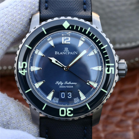 HG厂宝珀五十寻大日历5050全新的Grande Date机械腕表