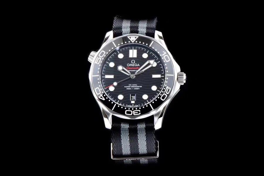 VS厂复刻欧米茄海马系列300米黑面帆布潜水表